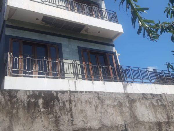 Dijual MURAH, Rumah 3 Lantai hasil sitaan